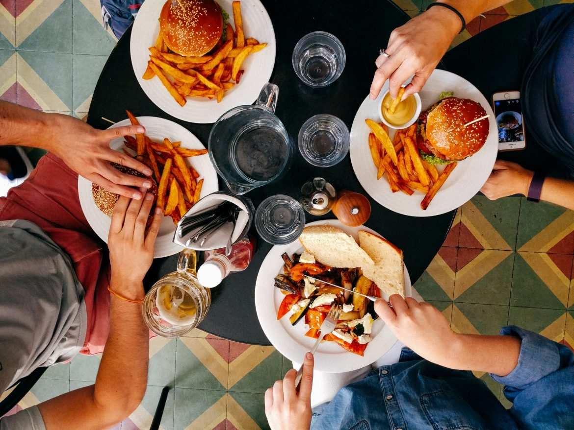 Here's why you should consider working in a restaurant